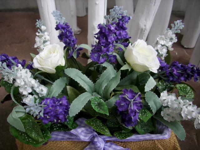 Blumengesteck Lavendel Rosen Lila Weiss Jutekorb Tischdeko Ebay