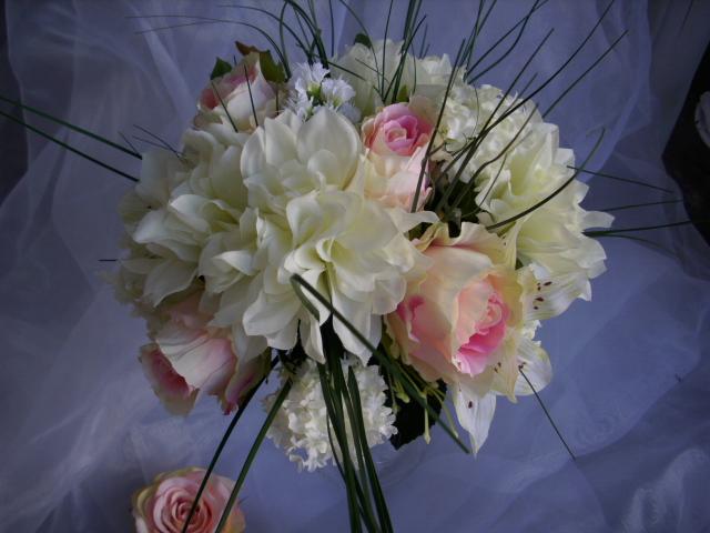 brautstrauss rose lilie gerbera ranunkel rosa vintage hochzeit romantisch ebay. Black Bedroom Furniture Sets. Home Design Ideas