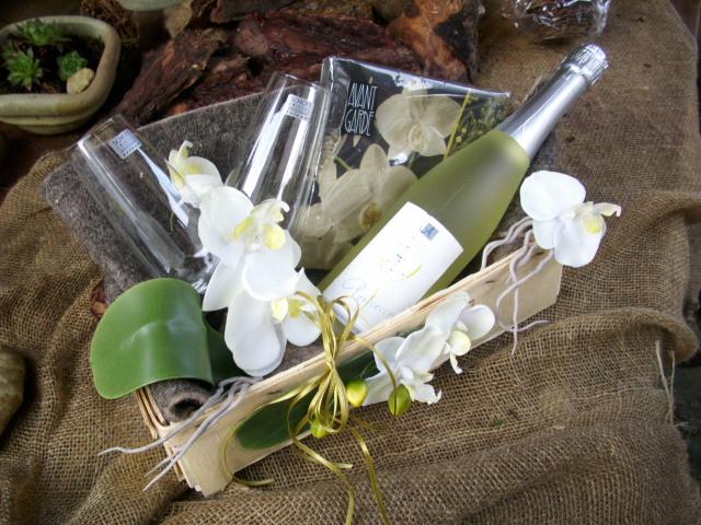 geschenkkorb pr sentkorb orchideen perlsecco champagner gl ser servietten ebay. Black Bedroom Furniture Sets. Home Design Ideas